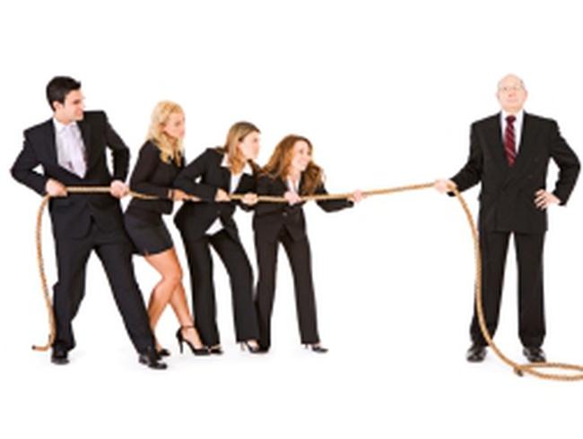Cổ tức và lương thưởng: Tăng bên nào cho mát dạ cổ đông, đẹp lòng lãnh đạo?
