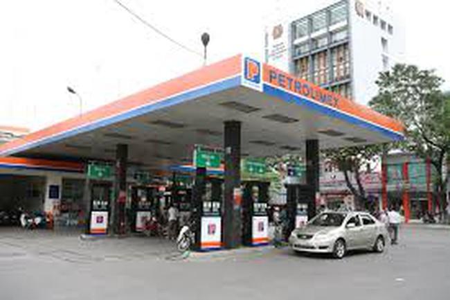 Petrolimex lãi lớn từ kinh doanh xăng dầu 6 tháng đầu năm 2013