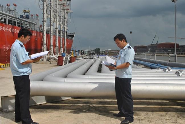Cưỡng chế một doanh nghiệp xăng dầu nợ hơn 26 tỉ đồng tiền thuế