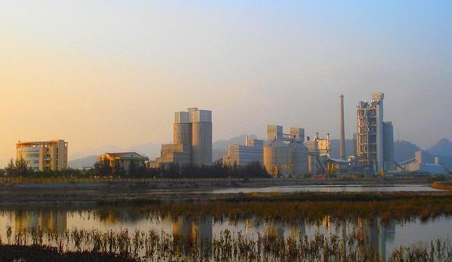 PVX muốn thoái vốn khỏi Xi măng Hạ Long