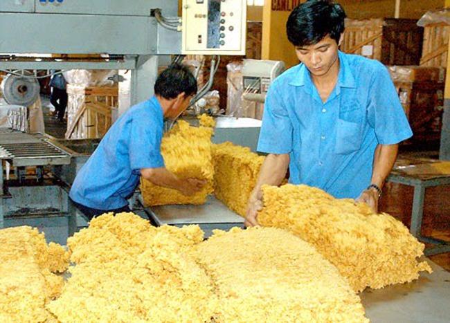 Doanh nghiệp cao su Tây Ninh gặp khó do hàng tồn, giá giảm