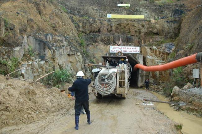 11 nạn nhân sập hầm thủy điện Đạ Dâng còn sống!