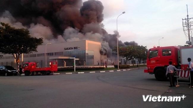 Bình Dương: Xảy ra cháy lớn tại Công ty TNHH Sakata