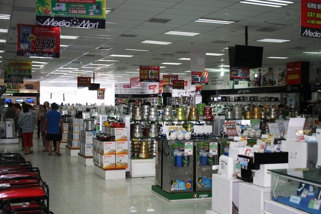 Sức mua giảm, doanh nghiệp điện máy vẫn ồ ạt mở siêu thị