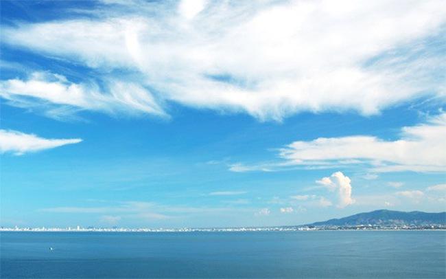 Kinh tế miền Trung: Biển và còn gì nữa?