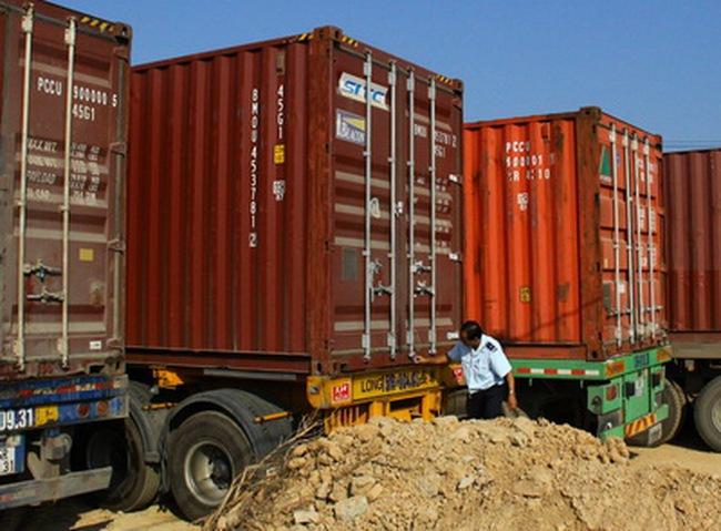 Phát hiện 102 vụ vi phạm trong tạm nhập-tái xuất mặt hàng đường