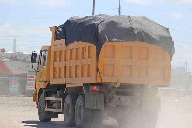 Khu kinh tế Vũng Áng: Cơ quan chức năng bỏ ngỏ, xe quá tải tung hoành