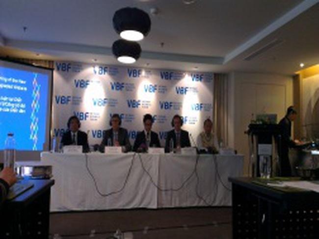 Diễn đàn DN Việt Nam thường niên 2012: Ngân hàng sẽ là điểm nóng