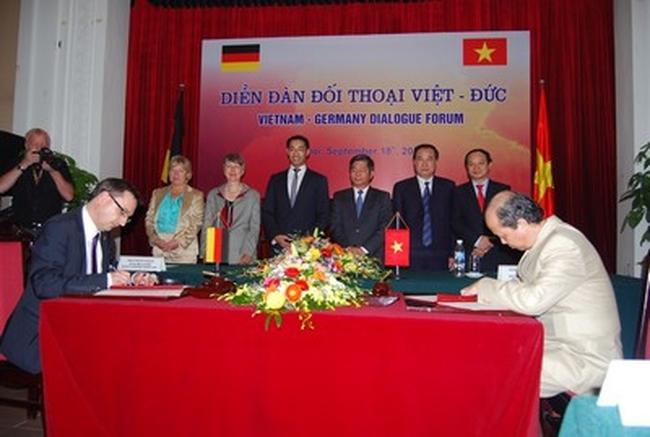 Việt Nam hợp tác với Đức triển khai Quỹ tiết kiệm nhà ở
