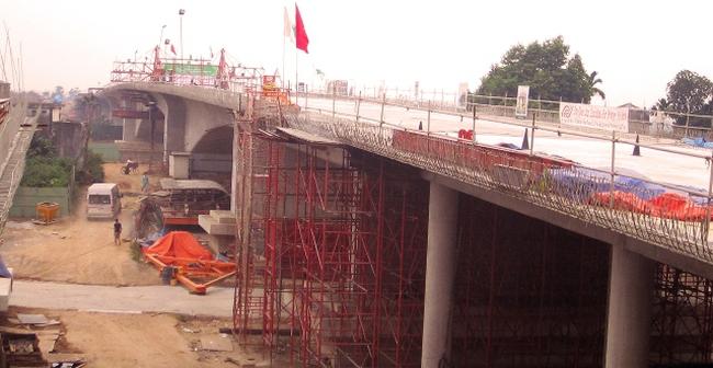 Hợp long cầu Bắc Hưng Hải