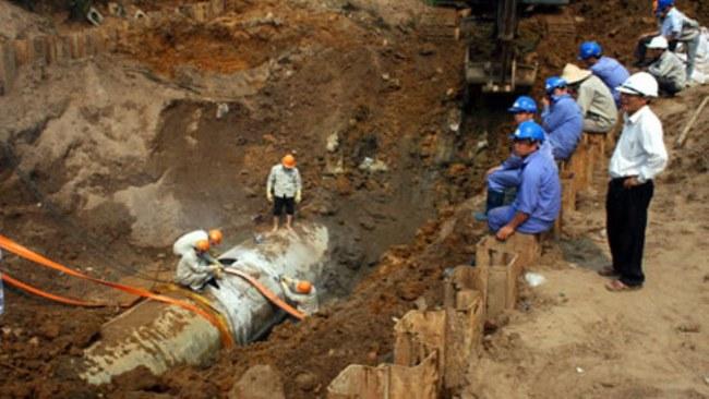 Vỡ ống nước Sông Đà vì...hạn chế về kinh nghiệm và chất lượng của ống nước