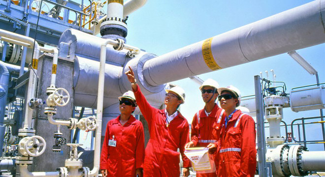 PV GAS: Sở hữu 1 tỷ USD tiền mặt, lãi giảm nhưng cổ phiếu vẫn tăng 75% từ đầu năm