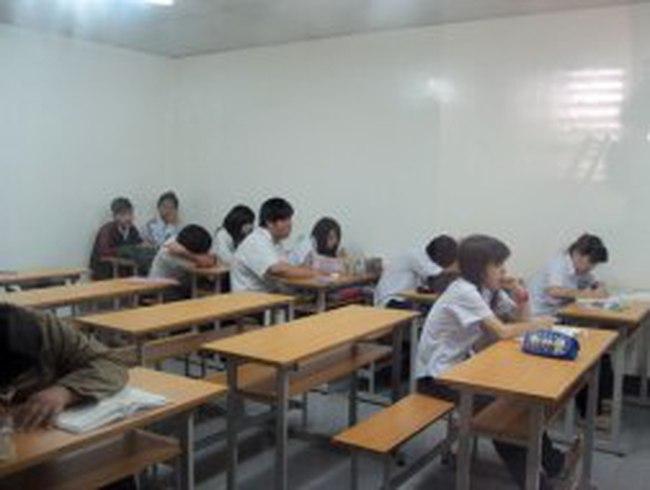 Đình chỉ hoạt động Trường Khai Trí