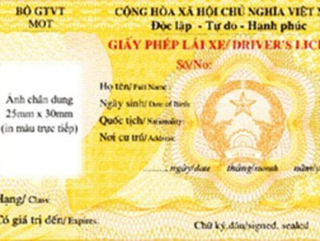 Hà Nội chi hơn 14 tỷ đồng cấp bằng lái xe mẫu mới
