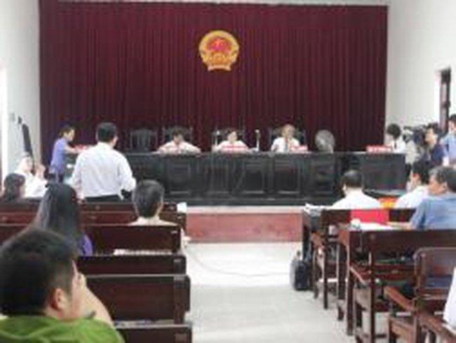 Tòa sơ thẩm bác đơn doanh nghiệp kiện Chủ tịch tỉnh Thanh Hóa