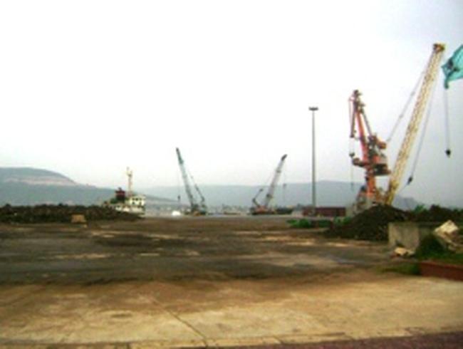 """Cảng Nghi Sơn """"xuống nước"""", hàng nghìn tấn hàng được giải phóng"""