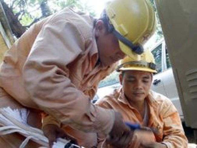 Bộ Công thương vẫn đòi thu phí điều tiết điện lực