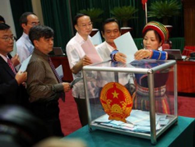 Lấy phiếu tín nhiệm: Cần tập trung vào lãnh đạo Chính phủ
