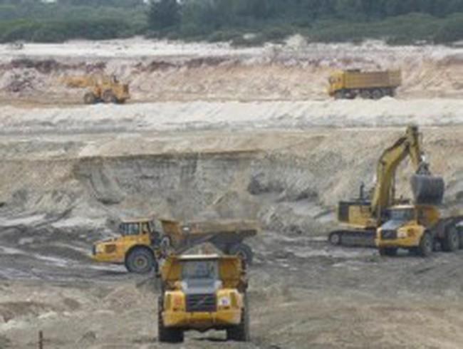 Vinashin rút khỏi dự án mỏ sắt Thạch Khê