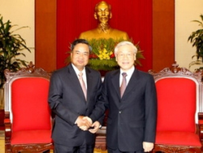 Việt-Lào tăng trao đổi kinh nghiệm tổ chức cán bộ