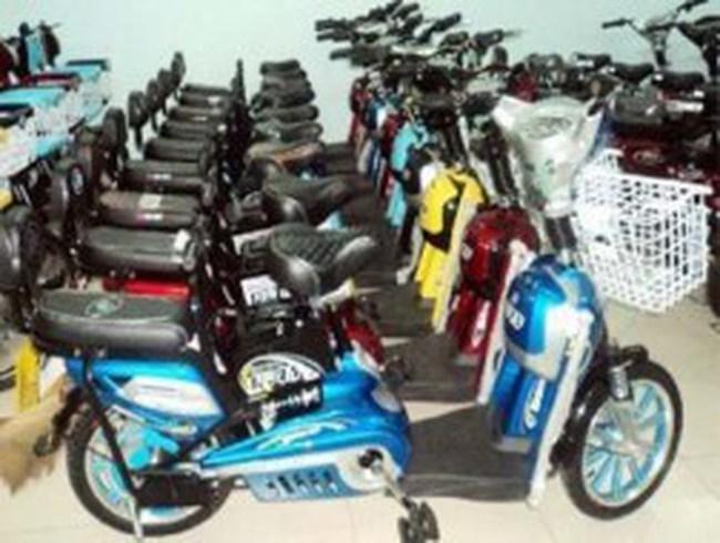 Khi bộ Tài chính tính thu cả phí xe đạp điện...