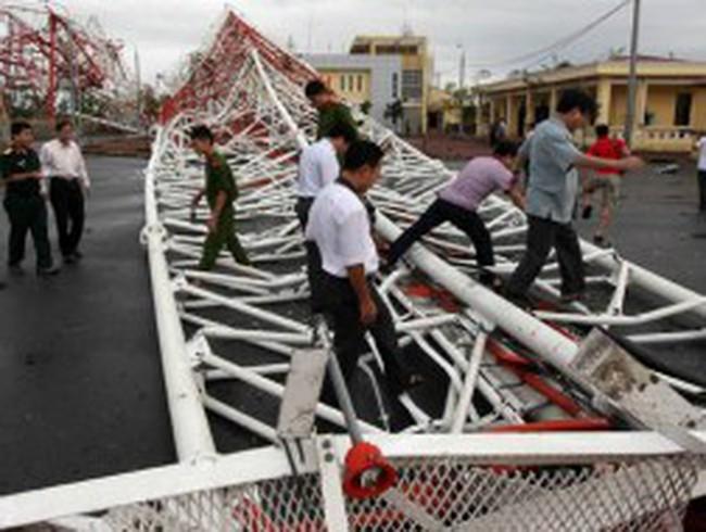 Nam Định tan hoang sau bão Sơn Tinh