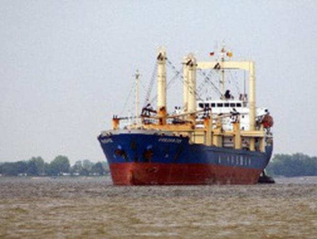 Tàu 'hoang' của Vinalines mắc cạn tại Hải Phòng