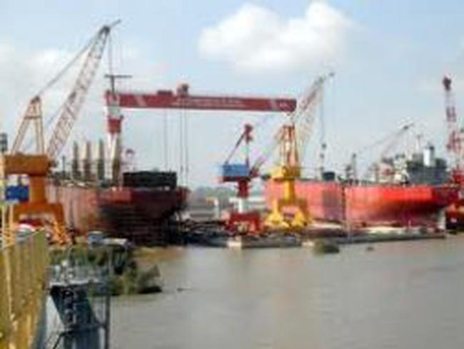Hàng loạt tàu biển Vinashin nằm bờ
