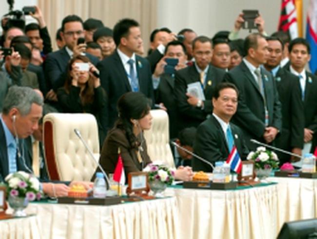 Thủ tướng Nguyễn Tấn Dũng dự Hội nghị Cấp cao Đông Á