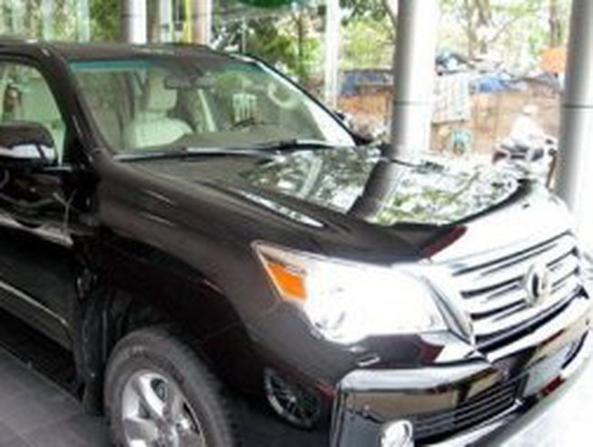 Giá tính thuế ôtô cao hơn giá bán 20.000 USD