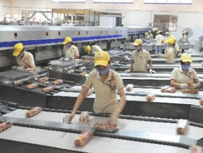 TP.HCM: Phấn đấu tăng trưởng GDP 10% năm 2013