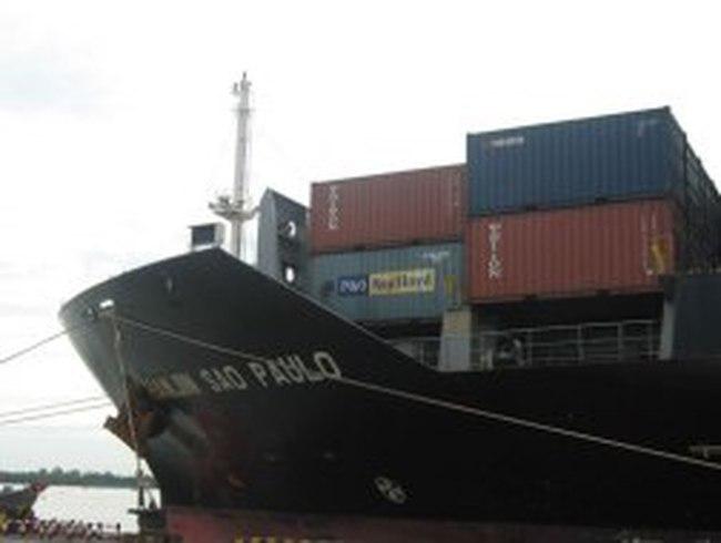 Chưa nên cấm tàu nước ngoài vận chuyển hàng ở trong nước