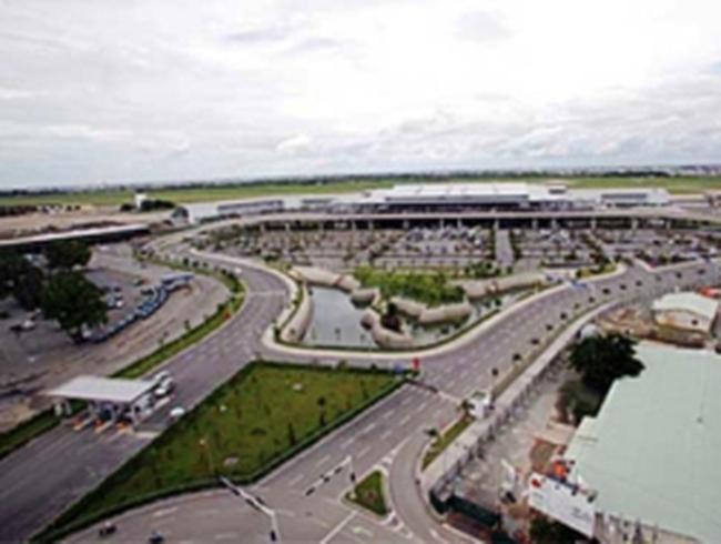 Sân golf trong sân bay Tân Sơn Nhất: Cử tri muốn làm rõ!