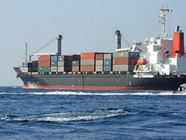 Ngành vận tải biển toàn cầu chìm trong khó khăn