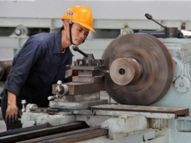 Nguy cơ Việt Nam chỉ là nền kinh tế 'gia công'