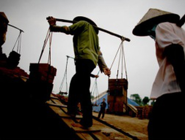 Người Việt canh cánh nỗi lo thất nghiệp, giảm lương