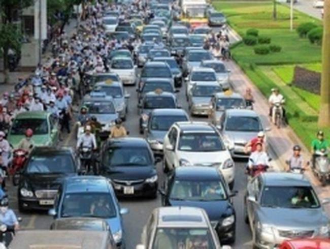 Bỏ phí hạn chế phương tiện, giảm trước bạ với ô tô