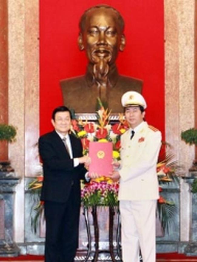 Thăng quân hàm đại tướng cho Bộ trưởng Công an