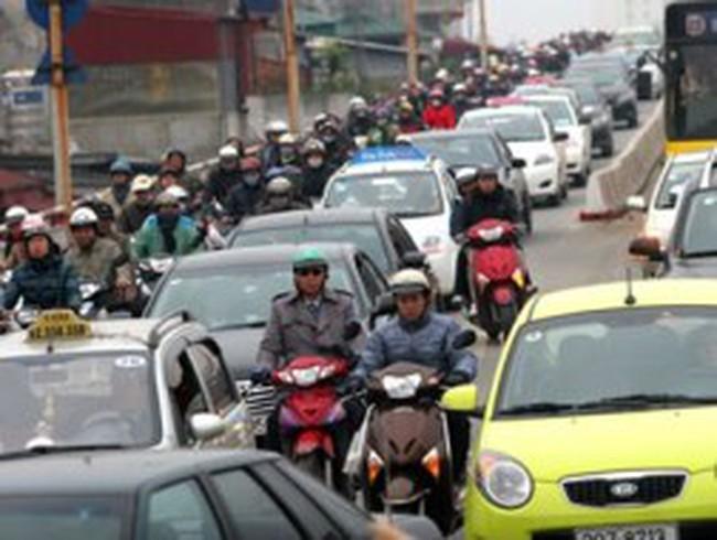 Mới thu phí ôtô, chưa thu xe gắn máy