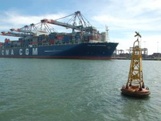 Từ 1-4 mới ngưng cấp phép cho tàu nước ngoài vận chuyển nội địa