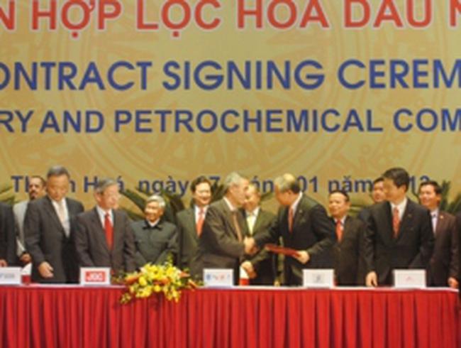 Ký hợp đồng dự án lọc hóa dầu lớn nhất Việt Nam