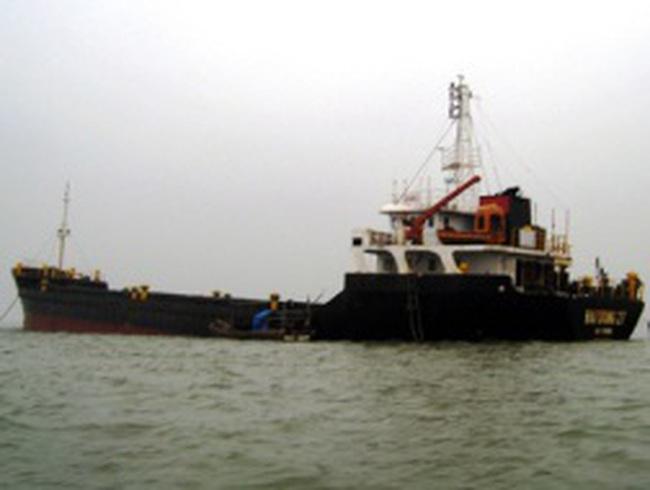 Chủ tàu nghìn tấn bỏ hoang nguy cơ phá sản