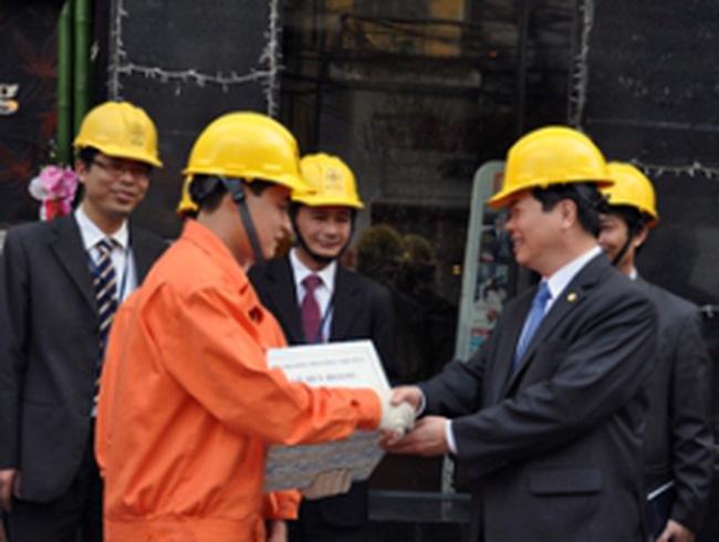 Bộ Công Thương kiểm tra cung cấp điện Tết tại Hà Nội