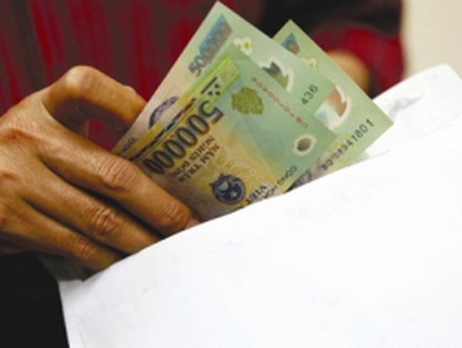 Báo động đỏ thu nhập ngoài lương