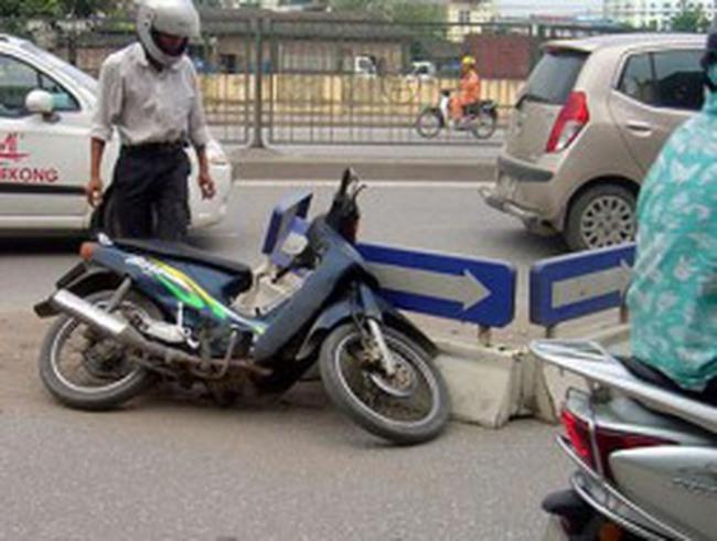 Xin Quỹ bảo trì đường bộ để phân làn ở Hà Nội
