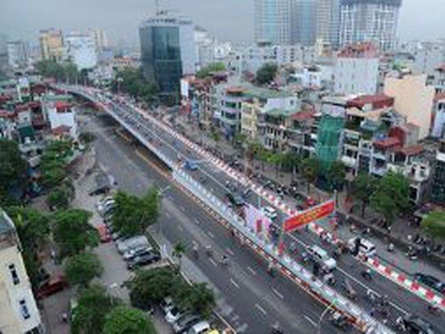 Thông xe cầu vượt 'mềm mại' nhất Thủ đô