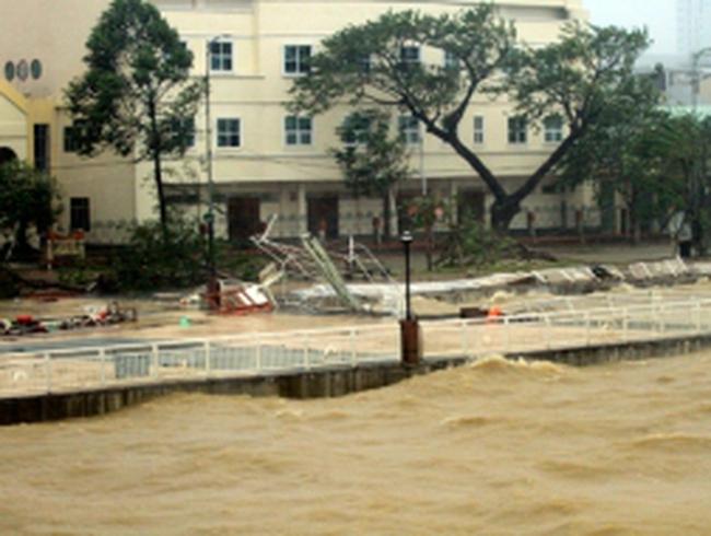 Những hình ảnh đầu tiên về cơn bão số 11