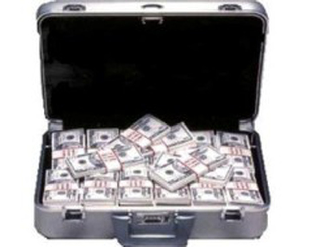 Dương Chí Dũng và đồng phạm ăn chia 1,666 triệu USD từ việc mua ụ nổi 83M
