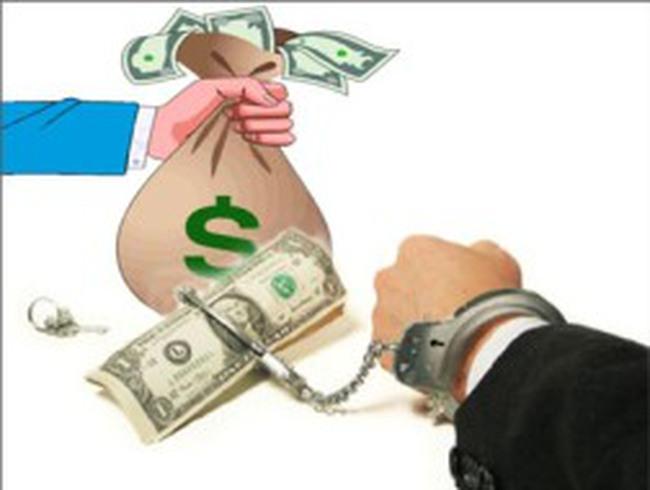 Nhận hối lộ 50.000 đồng sẽ bị buộc thôi việc