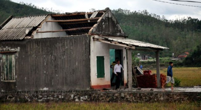 Họp đánh giá sơ bộ thiệt hại do bão số 14